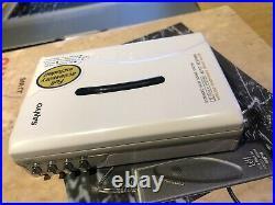 Sanyo walkman cassette player JJ-W6