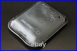 Sony WM-DD33 Walkman with NEW GEAR